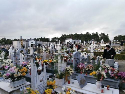 Ed659_cemiterio02