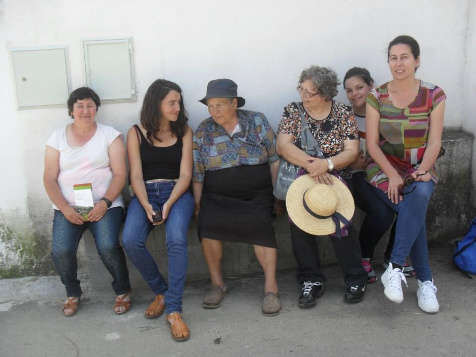 """Algumas das coordenadoras e participantes do projecto """"Acolher""""."""